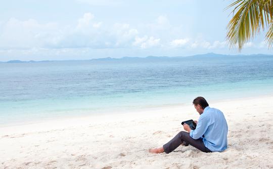 tablet-beach
